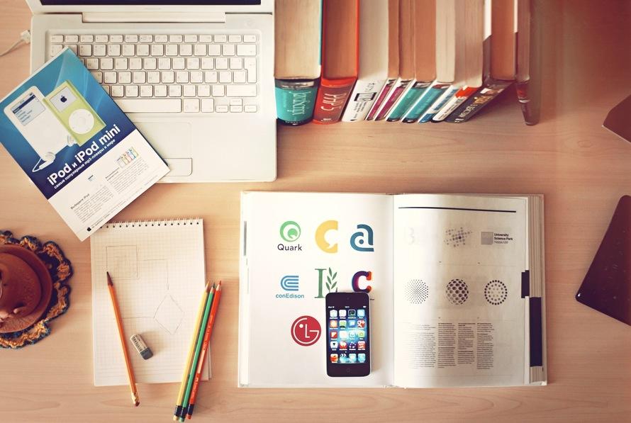 apple-iphone-books-desk-large