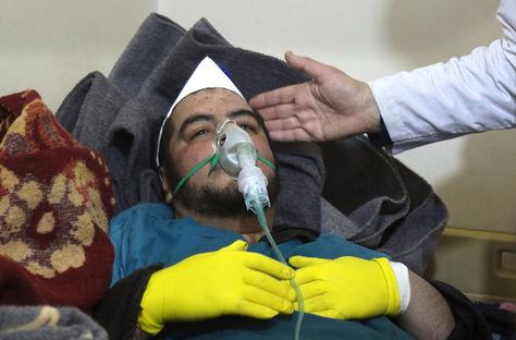 atencion-inhalacion-Siria-Foto-AFP_LRZIMA20170404_0010_11