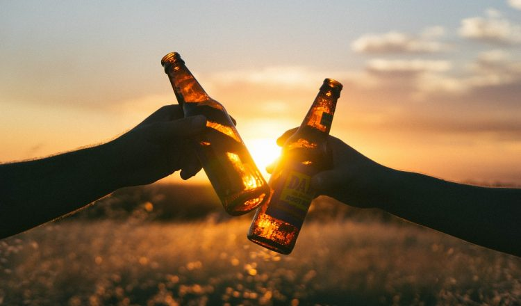 cheers-839865_1280