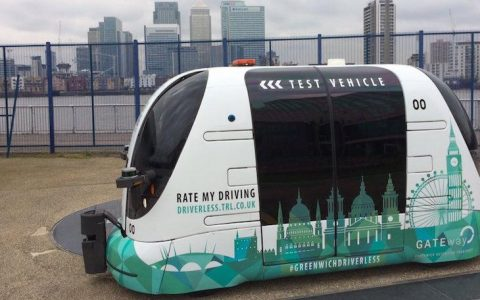 driverless-shuttle-buses-arrive-in-london_exaj
