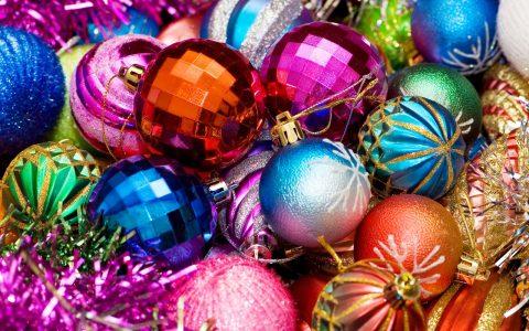 esferas-de-colores-en-navidad-postales-navidenas