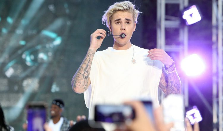 justin-bieber-performs-sorry-1200x630