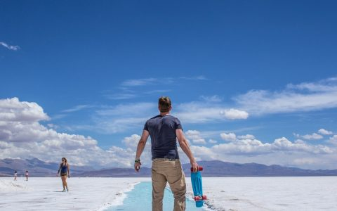 penny-board-salt-flats-desert-tom-163735